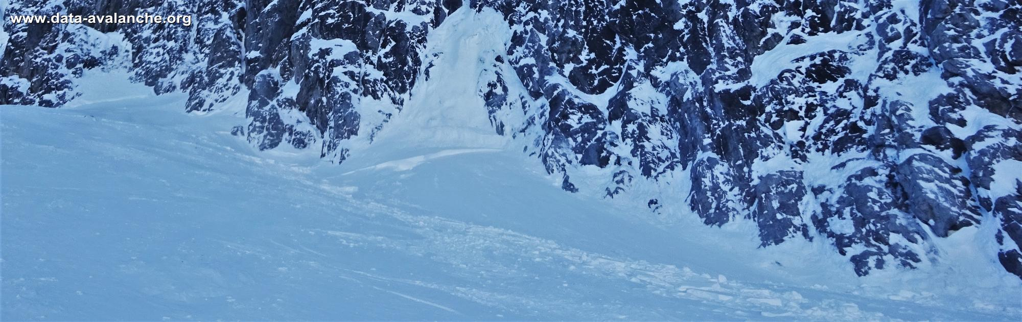 Avalanche Mont Thabor, secteur Grand Argentier, Pied de la face Ouest - Photo 1